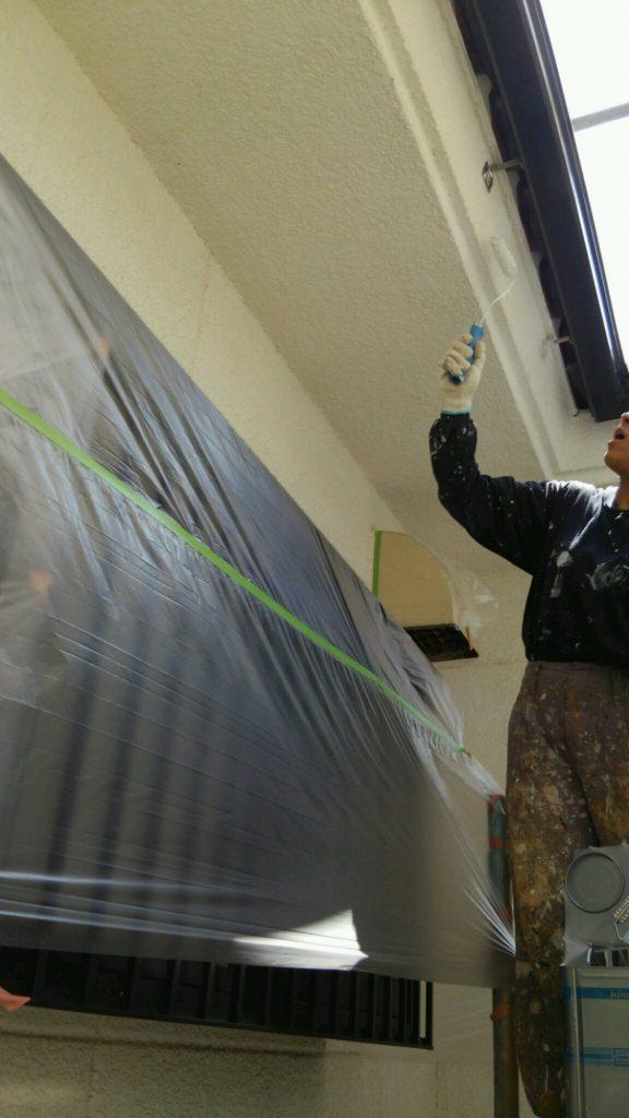 軒天下の外壁の塗装工事
