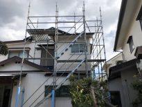 木造二階建ての仮設足場の組み立て工事|千葉県鎌ヶ谷市のG様邸の施工事例