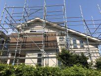 木造二階建ての仮設足場の組み立て工事|千葉県習志野市にお住いのF様邸の施工事例