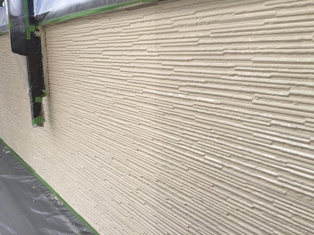 外壁の上塗り後(ホワイト)