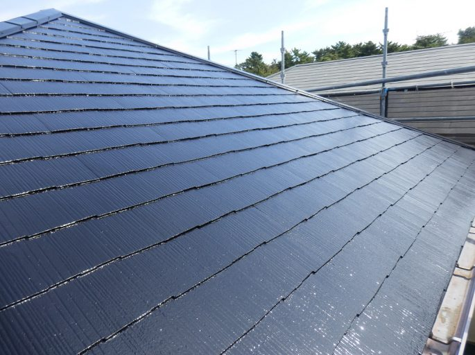 雨漏りに伴うコロニアル屋根の塗装工事