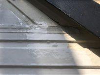 雨樋・破風板の塗装|千葉県習志野市実籾の某賃貸アパートにて塗り替えリフォーム中