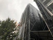 大規模修繕に伴う仮設足場の組み立て|東京都練馬区豊玉のビルマンションにて足場工事