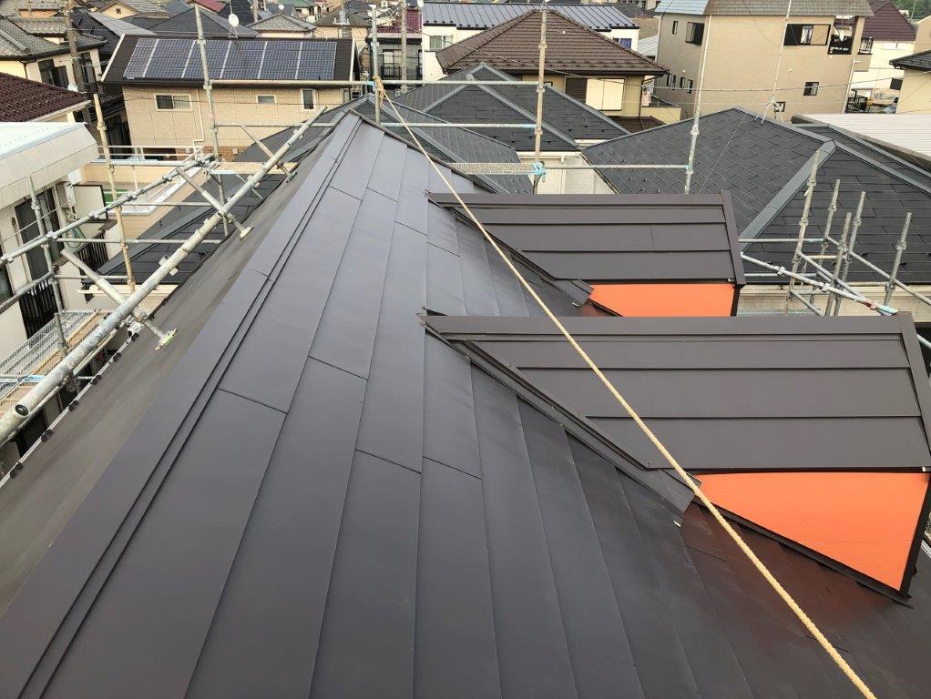 屋根の重ね葺き後