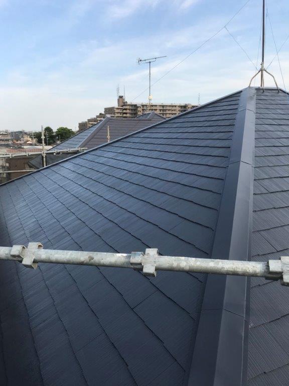 屋根の上塗り1回目