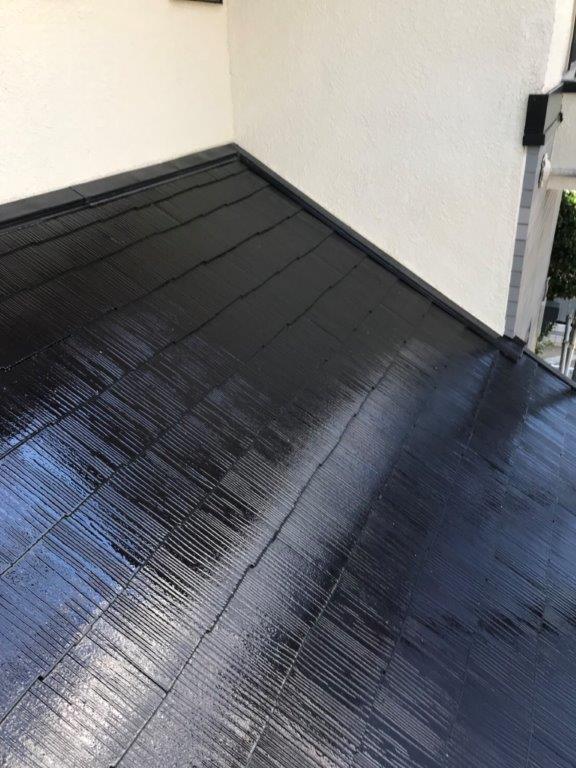 屋根の下塗り後