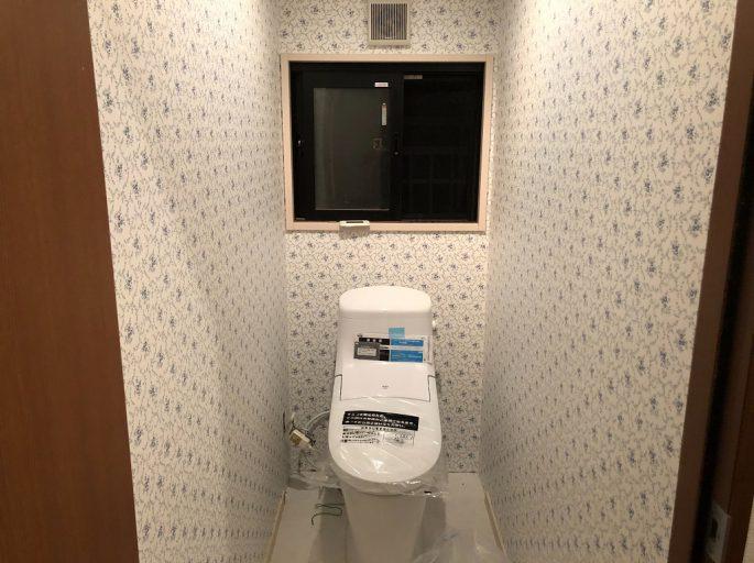 トイレの便器交換と床のクッションフロア貼り替え工事