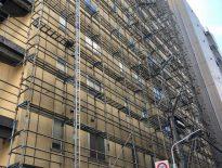 大規模修繕に伴う仮設足場の組み立て|東京都台東区浅草のホテルにて足場工事
