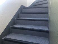 共用階段の防滑ステップシート(タキステップ)を貼り付け 東京都文京区のマンションにて外装リフォーム