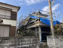 外壁・屋根の塗り替えに伴う仮設足場の組み立て|千葉県安房郡のW様邸にて足場工事