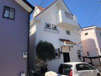清潔感を印象付けるホワイトカラーの外壁塗装|千葉県習志野市のK様邸にて外装リフォーム