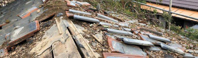 千葉県船橋市のU様邸にて屋根の葺き替え工事