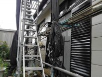 千葉県習志野市のF様邸にてシャッターなど鉄部の塗装工事