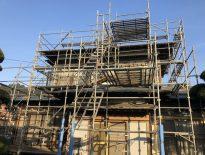 外壁の改修工事に伴う仮設足場の組み立て|千葉県八千代市のK様邸にて足場工事
