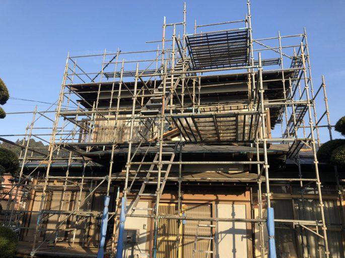 外壁の改修工事に伴う足場工事