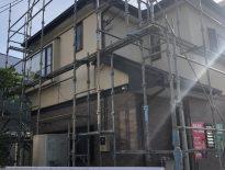 外壁・屋根の塗装工事に伴う仮設足場の組み立て|千葉県浦安市のU様邸にて足場工事