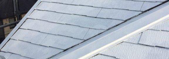 屋根の下塗り塗装(シーラー塗布) 千葉県成田市のN様邸にて塗り替え塗装中