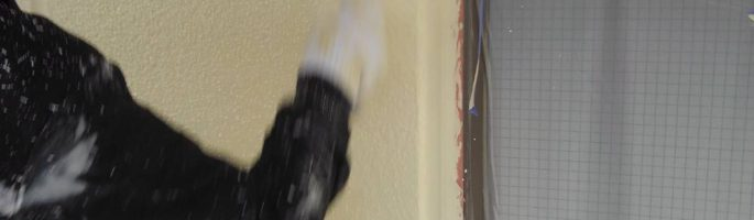 外壁の上塗り塗装(上塗り2回目)|千葉県習志野市の賃貸アパートにて塗り替え塗装中