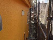 モルタル外壁の仕上がり塗装(上塗り2回目) 千葉県船橋市のM様邸にて塗り替えリフォーム中