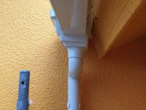 水切りや雨樋や付帯部の塗装工事 千葉県船橋市のM様邸にて塗り替えリフォーム中